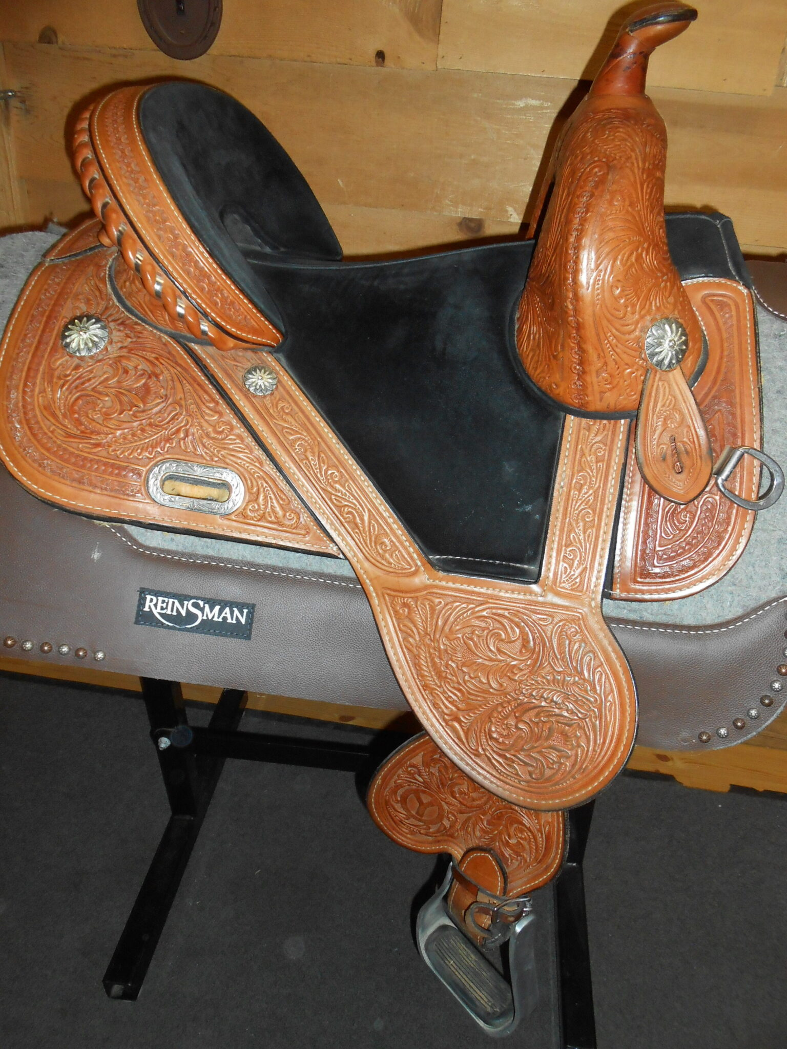 Circle Y Tammy Fischer 1308 Daisy 14 1/2 Wide Used Treeless Barrel Saddle